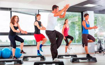 El Aeróbic: Un tipo de gimnasia dinámica y motivadora
