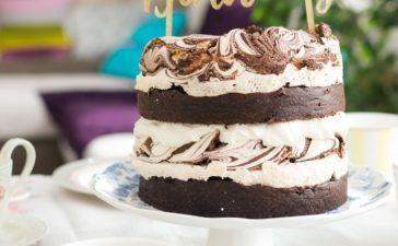 ¿Cómo preparar una delicia de chocolate y merengue?