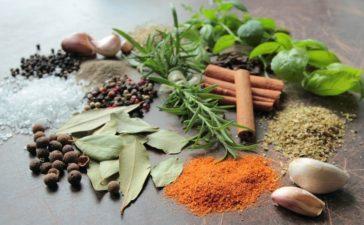 Las hierbas y especias más utilizadas en mezclas gourmet