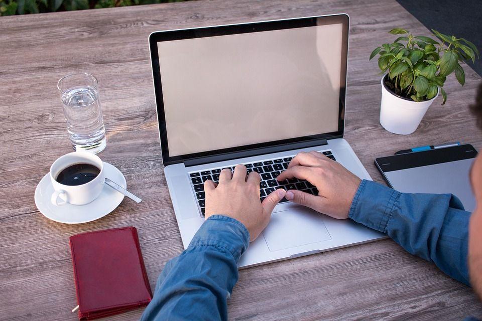 Redactor SEO bilingue freelance